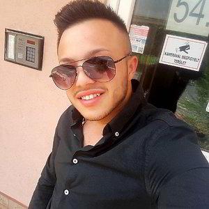 22 éves srác, 17 éves társkereső astrosage házasságmérkőzés